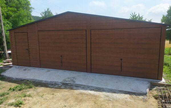 Garaż drewno podobny ciemny orzech MAT 8x6m, 2x brama uchylna, drzwi, pełne okucia, kotwiczenie do podłoża.